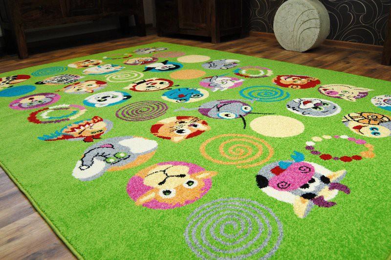 zelený koberec
